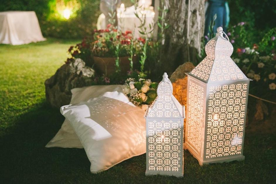Dettaglio lanterne esterno - Tenuta Villa dei Fiori